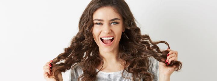 Los beneficios del agua mineral en el cabello